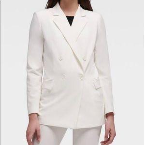 NWOT White DNKY Oversized Blazer